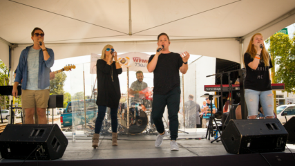 entertainment at the pickle festival