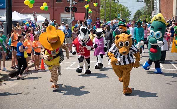 Mascot Race